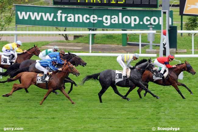 12/05/2009 - Saint-Cloud - Prix de Saint-Pair du Mont : Arrivée