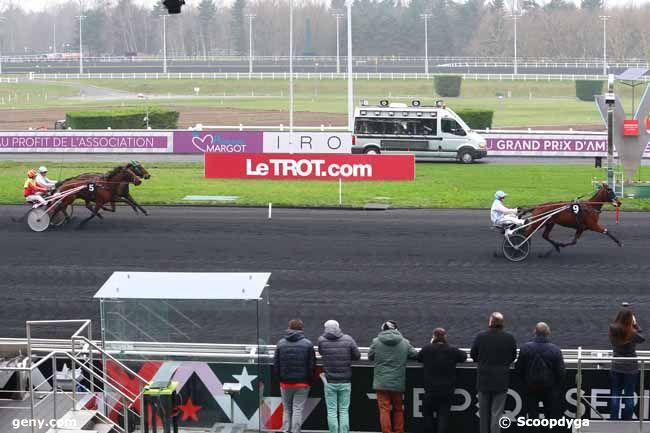 12/01/2018 - Vincennes - Prix d'Evian : Arrivée
