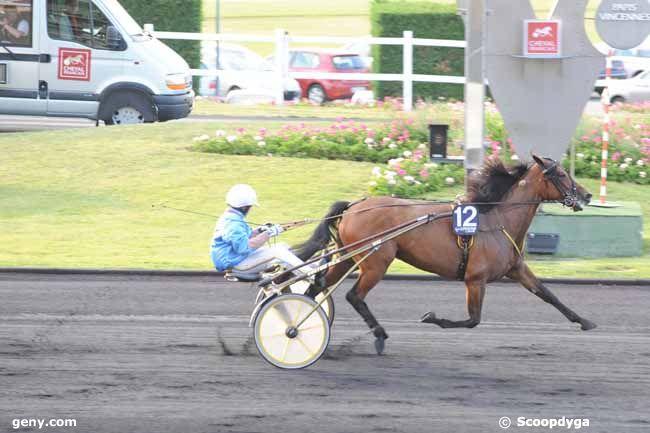 10/06/2011 - Vincennes - Prix Titania : Arrivée