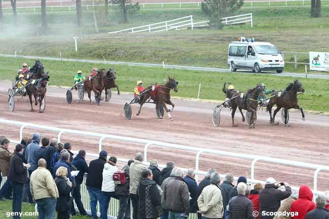 20/04/2016 - Pont-Château - Prix de la Ville de Pontchâteau : Arrivée