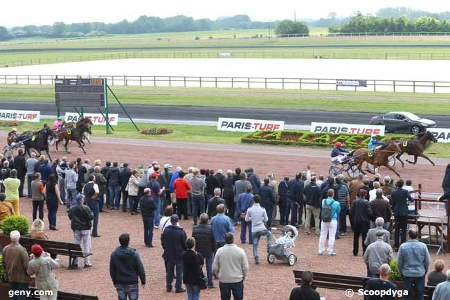 25/05/2016 - La Capelle - Grand National du Trot Paris-Turf : Arrivée